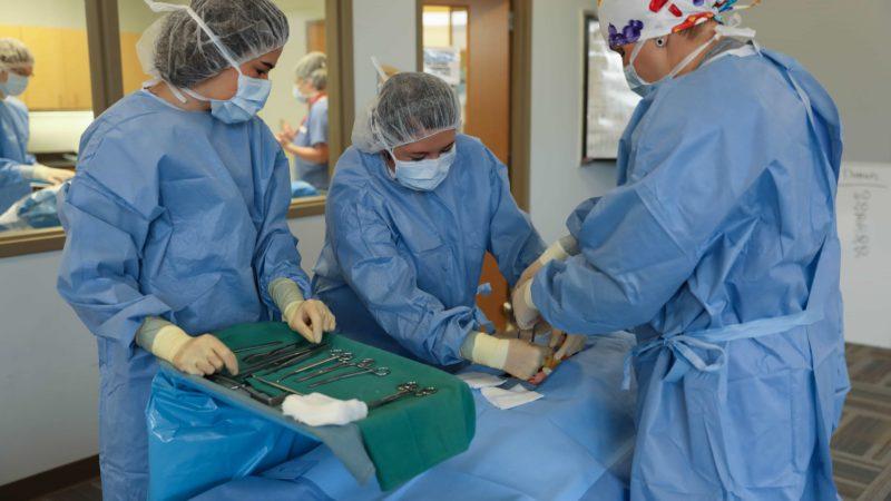 En savoir plus sur la carrière passionnante des technologues chirurgicaux